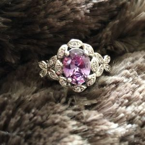 Jewelry - lilac stone ring